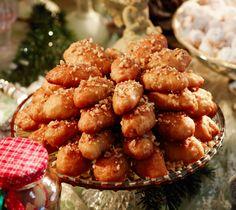 Melomakarona (Μελομακάρονα), the amazing traditional Greek dessert for Christmas!