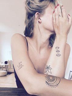 Tatuajes hechos a mano stick n poke stick and poke # handpoked … – Tattoo und piercing – Tatuaje Dream Tattoos, Mini Tattoos, Small Tattoos, Random Tattoos, Finger Tattoos, Body Art Tattoos, Sleeve Tattoos, Tattoo Neck, Tattoo Moon