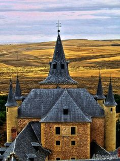 Alcazar de Segovia, Spain ...One day I want to live in Spain.