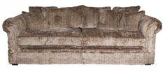 Sofa Sacramento is bekleed in bruin bont wat de landelijke sfeer extra benadrukt. Ook leverbaar in andere stof- en leersoorten. Bekijk online!