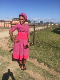 Traditional African Shweshwe Dresses Styles For Women. Shweshwe attires are a cotton indigo Fab South African Dresses, South African Fashion, Africa Fashion, African Attire, Traditional Wedding Attire, Shweshwe Dresses, Rajputi Dress, African Traditional Dresses, Power Dressing