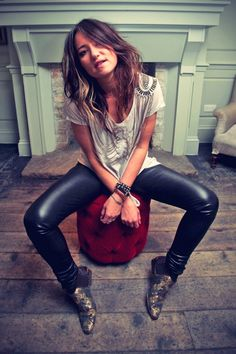 KT Tunstall Photoshoot at Soho House\\ 1st i love her .. & 2nd i love her outfit...