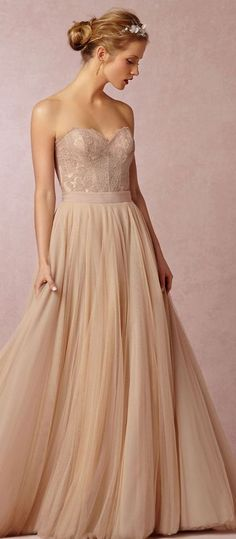This is pretty as both a wedding and prom dress.