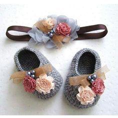 Crochet baby girl shose with floral headband grey  Follow me on Instagram handmadelover_89