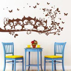 """Wandtattoo """"4 Eulen auf einem Ast"""" mit Schmetterlingen  Mit diesem Angebot erhalten Sie das Wandtattoo in der Größe:   *M 55 x 92 cm* (wenn aufgeklebt wie abgebildet)   Wandtattoo auch in..."""