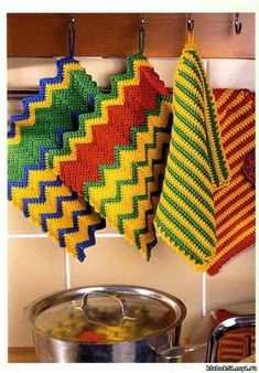 zigzag- potholder; chart  pinned to crochet2 board also