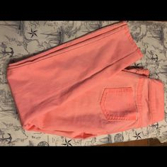 Make offer❤️❤️❤️❤️ Have no flaws , are like new. Look great on !  Maurices Jeans Skinny