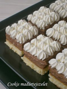 Csokoládés madártejszelet 🍴 Hungarian Desserts, Hungarian Recipes, Cake & Co, Cake Cookies, Sweet Recipes, Bakery, Cooking Recipes, Yummy Food, Sweets