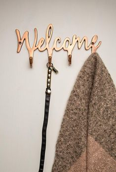 "Welcome Copper Key Holder for Wall – Modern Metal Key Hook – Wall Mounted Key Hanger – Key Organizer Key Chain Hooks – Decorative Entryway Organization – Decorative Key Rack with 4 Hooks - 10.5""x5"""