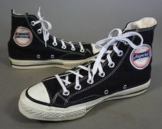 Basketball Court For Rent Converse Sneakers, High Top Sneakers, High Top Basketball Shoes, Basketball Court, White High Tops, Black And White, Converse Chuck Taylor, Vintage Outfits, Mens Fashion