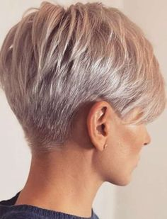 Pin on Mode Short Grey Hair, Short Hair With Layers, Short Blonde, Short Hair Cuts For Women, Short Hairstyles For Women, Black Hair, Short Pixie Haircuts, Pixie Hairstyles, Easy Hairstyles