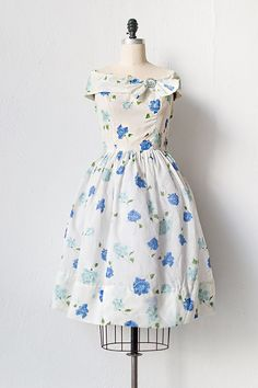 ~1950s white blue floral party dress~
