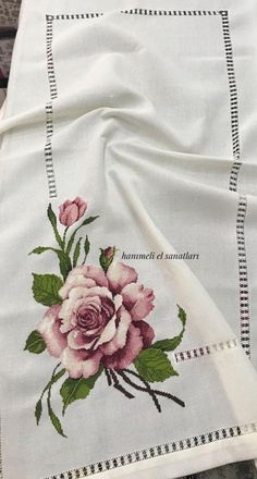 Vered ironed into the bedroom - dreams sew - orange Cross Stitch Rose, Cross Stitch Flowers, Flower Crafts, Flower Art, Cross Stitch Designs, Cross Stitch Patterns, Hand Embroidery, Embroidery Designs, Bargello
