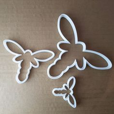 Dragonfly Shape Cutter. Small: approx. 5.7cm x 4.3cm x 1cm deep - 0.5mm cutting edge. Medium: approx. 9.5cm x 7.6cm x 1cm deep -0.5mm cutting edge. Large: approx. 13.4cm x 10.4cm x 1cm deep -1mm cutting edge. | eBay!