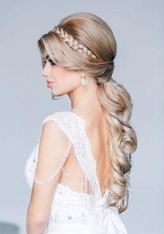 Hochzeit frisuren am Oberkopf-toupiert getragen-Pony Haarreifen-flechten
