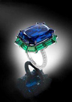 de GRISOGONO sapphire ring, stunning!!!