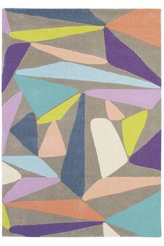 Der Designteppich Xian Triangleian besteht aus Polyacryl. Das synthetische Material fühlt sich ähnlich weich wie Wolle an und ist sehr strapazierfähig - gratis Versand, jetzt bei onloom bestellen mit 30 Tagen Rückgaberecht