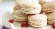 A legegyszerűbb macaron recept - Ezt próbáld ki először | Femcafe Vanilla Macaroons, Macaroon Cookies, Macarons, Shortbread Cookies, French Macaroon Recipes, French Macaroons, Macaron Flavors, Macaron Recipe, Easy Desserts