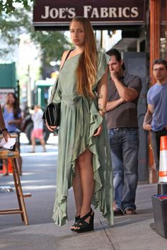 Jemima Kirke - Jemima Kirke on the Set of 'Girls' in New York City
