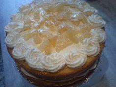 Naked Cake Abacaxi Suico