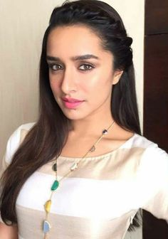 Shraddha Kapoor Fresh New Photo Latest Bollywood and Hollywood new star Actress actor Bollywood Hollywood Tellywood Tollywood all the latest star HD hot news and photos update. Bollywood Girls, Bollywood Stars, Bollywood Fashion, Bollywood Actress, Indian Bollywood, Prettiest Actresses, Beautiful Actresses, Beautiful Models, Gorgeous Women