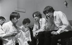 The Kinks Pop Group 1964 Ray Davies Dave Davies Stock Photo, Royalty Free Image: 20138832 - Alamy Beatles, Dave Davies, You Really Got Me, Bubblegum Pop, Classic Rock Bands, The Kinks, World Music, Pop Group, Rock Music
