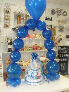 Put ring mylar balloon in center Balloon Display, Balloon Decorations Party, Balloon Centerpieces, Birthday Party Decorations, Birthday Parties, Birthday Ideas, Blue Balloons, Mylar Balloons, Baby Shower Balloons