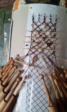 Teneriffe, Bobbin Lacemaking, Bobbin Lace Patterns, Lace Making, Form, Needlework, Stencils, Knitting, Sewing