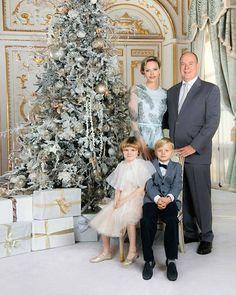 Fürstin Charlene, Princesa Charlene, Charlene Of Monaco, Grace Kelly Wedding, Prince Albert Of Monaco, Royal Christmas, Prince Rainier, Monaco Royal Family, Bridesmaid Dresses