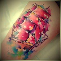 Tatouage Bateau Water-Color sur Cuisse pour Femme