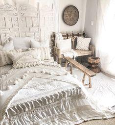Bedroom decor, bohemian room, bohemian house, bohemian living, boho chic be Interior, Bedroom Makeover, Home Bedroom, Bohemian Bedroom, Bohemian Bedroom Decor, Home Decor, Room Inspiration, Room Decor, Bedroom Decor