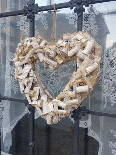 Burlap Wreath, Wreaths, Texture, Wood, Crafts, Home Decor, Beautiful Hearts, Nice Asses, Surface Finish