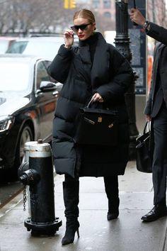 Fashion looks 718957528000675009 - Looks mode: le style de Rosie Huntington-Whiteley – – Source by Trend Fashion, Fashion Moda, Look Fashion, Womens Fashion, 2000s Fashion, Grunge Fashion, Fashion 2020, Korean Fashion, Outfits Inspiration