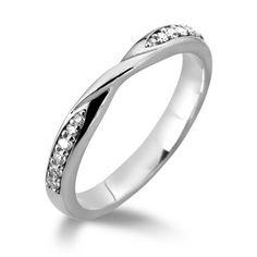 Diamond Twist Wedding Ring Lloyd family jewellery £679