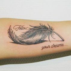 40 impressive feather tattoos ideas for men and women diy tattoo images - ta Forearm Tattoos, Body Art Tattoos, New Tattoos, Small Tattoos, Tattoos For Guys, Tattoos For Women, Tattoo Women, Tattoo Drawings, Tattoo Plume