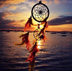 """""""All dreams come true if you have the courage to pursue them. Beautiful Dream Catchers, Dream Catcher Art, Dream Catcher Wallpaper Iphone, Dreamcatcher Wallpaper, Decoupage Vintage, Indian Art, Nature Pictures, Cute Wallpapers, Live Life"""