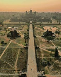 Angkor Wat, Types Of Collars, Shout Out, Railroad Tracks, Location History, Temple, Vineyard, Outdoor, Twitter