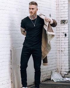 Dark Fashion, Mens Fashion, Hot Guys Tattoos, Bad Boy Aesthetic, Attractive People, Gentleman Style, Gorgeous Men, Streetwear Fashion, Male Models