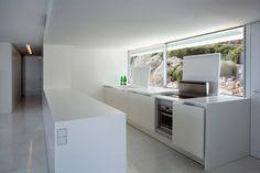 fran silvestre arquitectos: house on the cliff | designboom