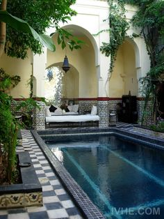 A grand traditional Moroccan house/Riyad, authentically restored with courtyard swimming pool as well as magnificent views of the town and Atlas mountains.... http://www.ivhe.com/property/listing0107.php