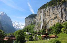 Cascada Staubbach este o cădere de apă în Elveția, situată chiar deasupra Lauterbrunnen în Berner Oberland. Cascada cade de la aproximativ 300