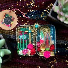La Virgin de Guadalupe Altoid Altar with Mexican fabric inlay. Mexican Fabric, Mexican Folk Art, Altered Tins, Altered Art, Fun Crafts, Arts And Crafts, Catholic Crafts, Tin Art, Arte Popular