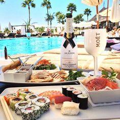luxury lifestyle, luxury food y Rich Lifestyle, Luxury Lifestyle, Lifestyle Club, Wealthy Lifestyle, Champagne Moet, Luxury Food, Luxury Travel, Moet Chandon, Rich Kids