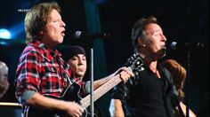 Bruce Springsteen & John Fogerty - Pretty Woman (Roy Orbison) (live 2009...