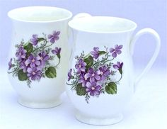 Sheltonian bone china - Wild Violet Chintz Romantic Flowers, Simple Flowers, Amazing Flowers, China Painting, Ceramic Painting, Flower Cart, Sweet Violets, Antique Dishes, Teapots And Cups