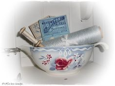 Dear dear !: cradle of a sugar basket Digoin and crockery.