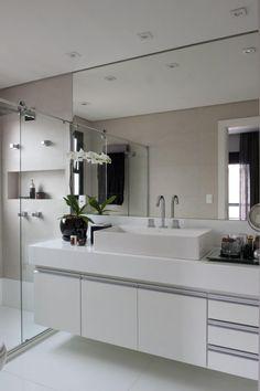 50 ideas for bathroom modern black cabinets Bathroom Cabinet Redo, Bathroom Mirror Design, Modern Master Bathroom, Bathroom Design Luxury, Small Bathroom, Bathroom Black, Brass Bathroom, Bath Design, Washbasin Design