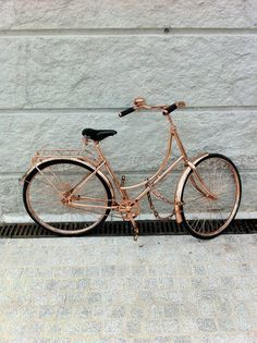 rose gold bicycle ~only with a (WHITE SEAT AND HANDLES OR COGNAC LEATHER SEAT AND HANDLES!) pinterest.com/mymble