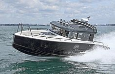 NEW VERSATILITY AND COMFORT FOR OVERNIGHT STAYSThe XO 270 RS Front Cabin offers the same great sea performance as the XO 270 RS Cabin, but with additional convenience for overnight stays. The boat can host 8 to 10 people and the spacious front...