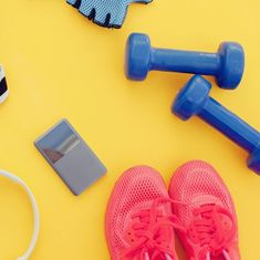 Flat lay shot of woman Sport equipment, shoes, water, earphone and phone on wooden background All You Need Is, Just In Case, Arm Workouts At Home, Fun Workouts, Workout Routines, Fitness Backgrounds, Phone Backgrounds, Encouragement For Today, Neck Exercises